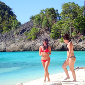 indonesia cruise two womes