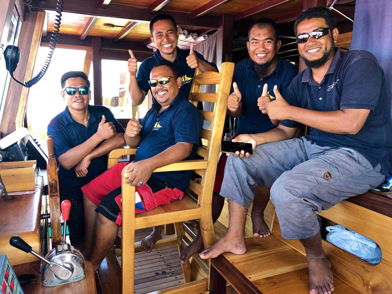 boatcrew liveaboard indonesia