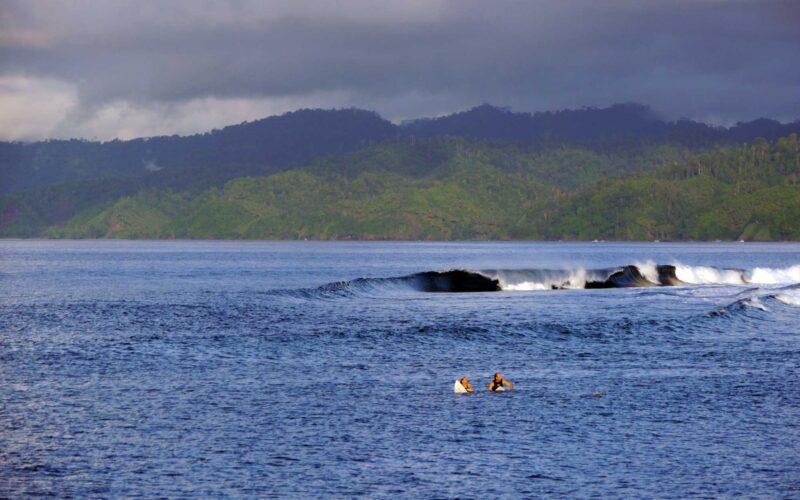 Surfing Liveaboard zamaica