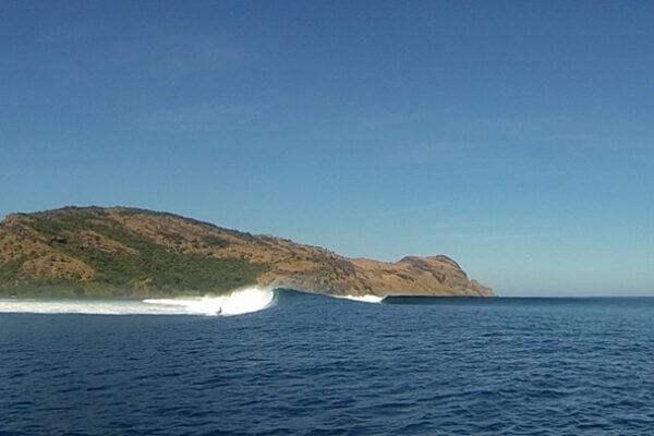 Surfing Liveaboard lombok