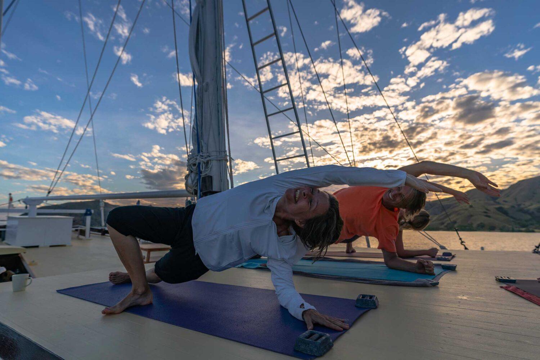 Yoga liveaboard indonesia