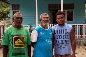papuan family raja ampat yenbeser