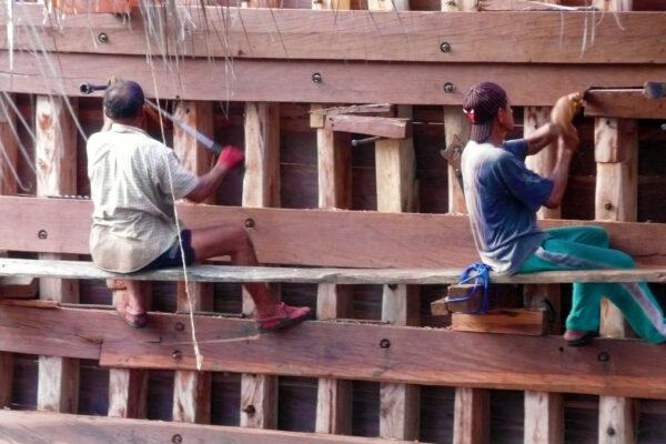 Identity Konjo tribe Carpenter tanahberu bontobahari bira phinisibuilding