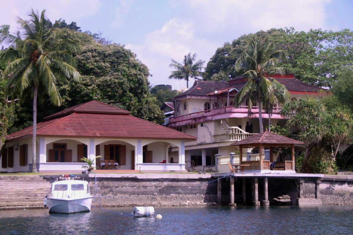 Cruising Banda sea landtour Bandaneira