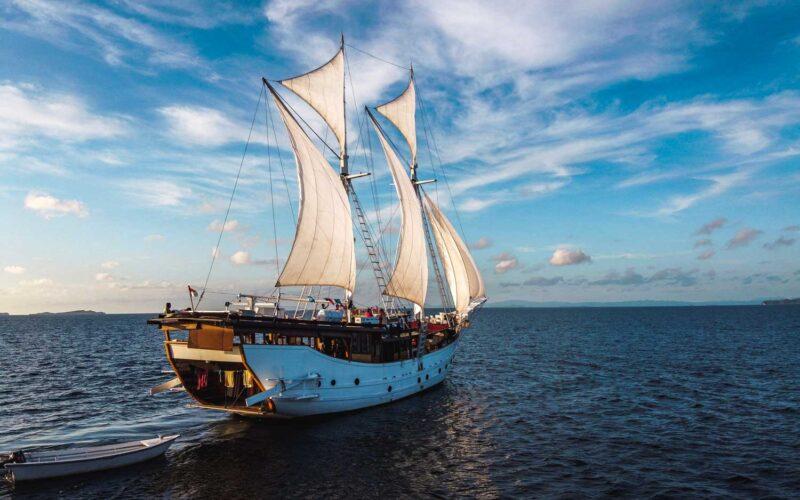 Croisière en Indonésie à bord d'un bateau traditionnel Phinisi